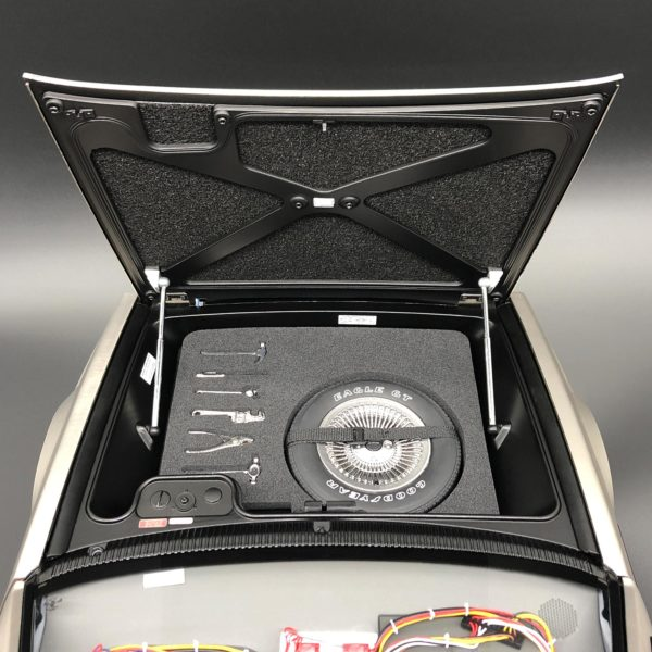 Bonnet and Luggage Compartment Set placed in DeLorean storage compartment
